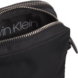 Calvin Klein  - Calvin Klein - Satin Nylon Twill Crossbody Bag | Sort
